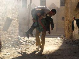 Underexposure - Nasser carries the soldier home