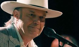 Neil Young in 'Neil Young: Heart of Gold'.  Paramount...assics