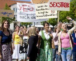 Sexstreik! - Die Frauen von Schönstett (vorne...reik!