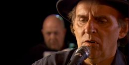 The Man of a Thousand Songs - Standbild aus dem Film....Hynes