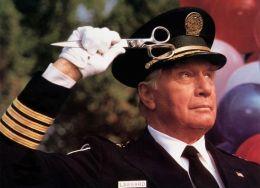 George Gaynes - 'Police Academy 6 - Widerstand zwecklos'