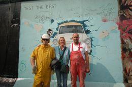 Berlin East Side Gallery - Malerin Birgit Kinder und...firma