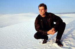 White Sands mit Willem Dafoe