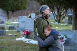 Ben Is Back - Julia Roberts (Holly Burns), Lucas...ns)